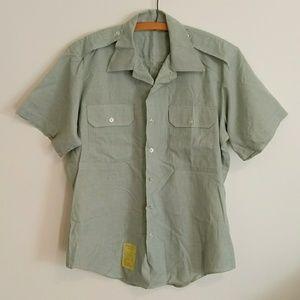 Vintage US Army men's AG-415 short sleeve shirt